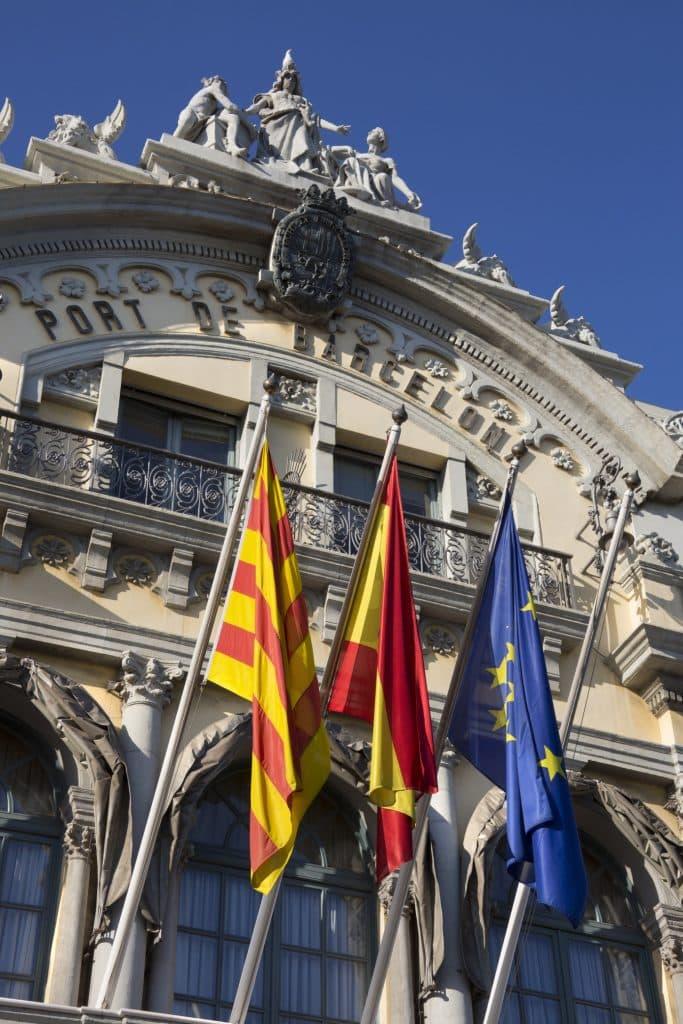 bandera cataluña puerto barcelona