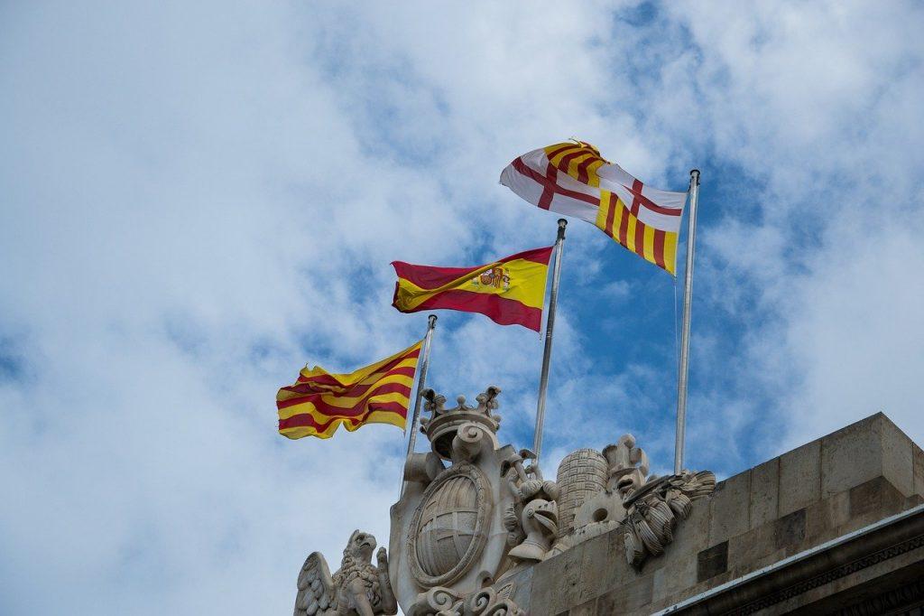 bandera de España cataluña y barcelona