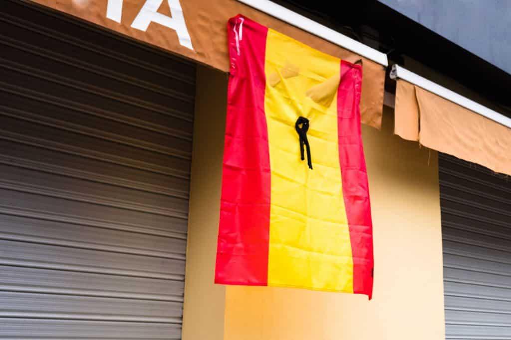 bandera españa crespon negro