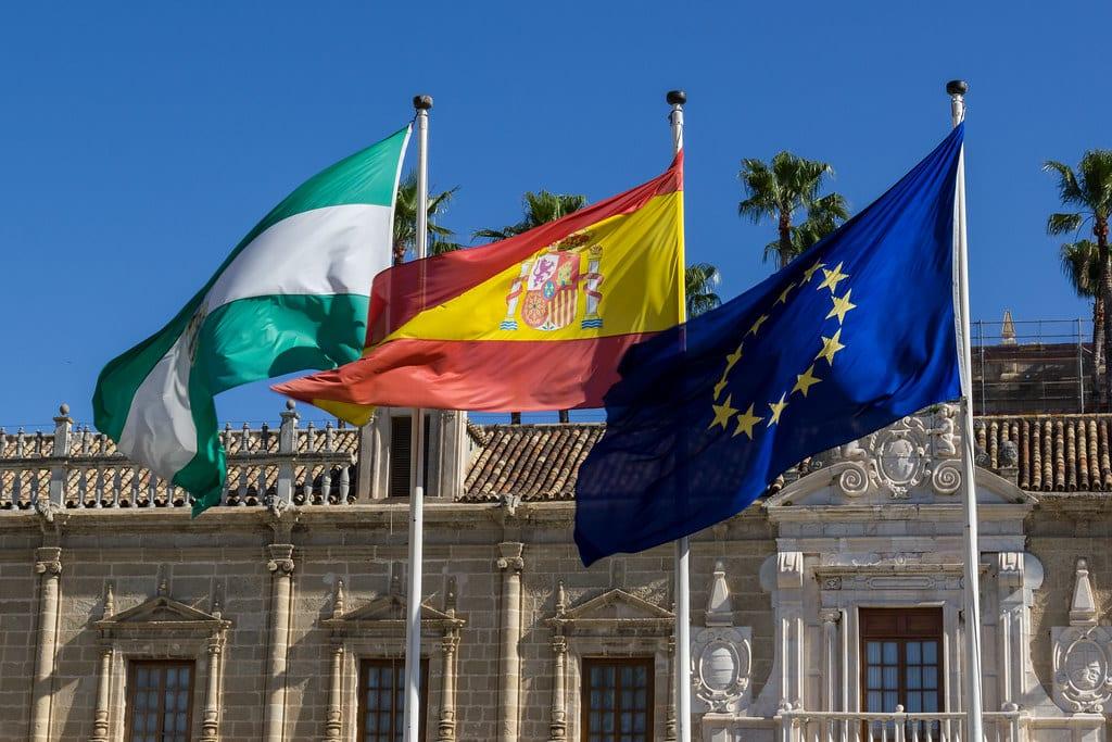 bandera union europea y bandera andalucia